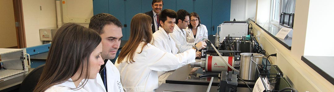 graduate students at work in a lab class